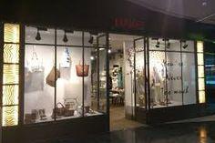 Hakei, es una tienda con un estilo muy sreet, de calle, casual, cómodo pero a la vez femenino. Es de mis favoritas porque siempre encuentro algo práctico, cómodo, de calidad,  fácil de combinar...y bonito. Vamos que le doy casi 5 estrellas. One of my favorites. Esta en la calle C/Garibai nº32 20.004 San Sebastián 943 432056.     info@hakei.com