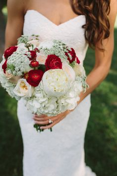 this would be nice if we got married at the counio mansion   red and white wedding bouquet