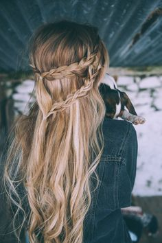 Half-Up-Half-Down-Wedding-Hair-Style-Messy-. photo by barefoot blonde Down Hairstyles, Pretty Hairstyles, Braided Hairstyles, Hairstyle Ideas, Wedding Hairstyles, Medium Hairstyles, Short Haircuts, Summer Hairstyles For Medium Hair, Beautiful Haircuts