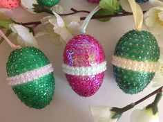 Easter Projects, Easter Ideas, Easter Crafts, Sequin Ornaments, Quilling, Easter Eggs, Sequins, Craft Ideas, Holidays