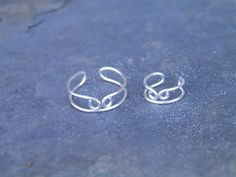 Ear cuff, toe ring... Coming together... silver wire wrapped toe ring and ear cuff set.