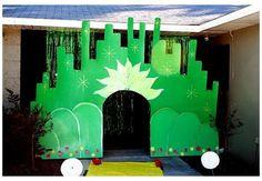Wizard Of Oz Play, Wizard Of Oz Musical, Wizard Of Oz Decor, Wizard Wizard, School Themes, Classroom Themes, Classroom Board, Classroom Organization, Homecoming Floats