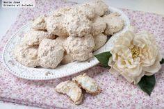 Mostachones de coco. Receta dulce para San Valentín