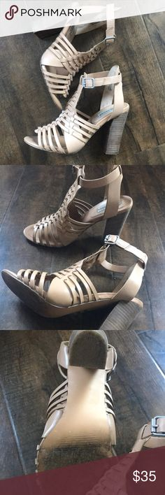 Steve Madden Nude Sandals Perfect Steve Madden heels for Spring! Purchased from Nordstrom. Style name is Sandrina. These sandals have a 4 inch heel. Only worn a few times ❤️ Steve Madden Shoes Heels