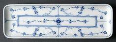 royal_copenhagen_blue_fluted_plain_10_rectangular_narrow_tray_P0000080218S0449T2.jpg (450×166)