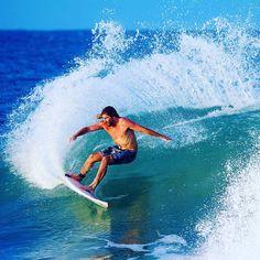 Massive turn by @wadecarmichael #surf #surfer #surfing #nikon #mynikonlife…