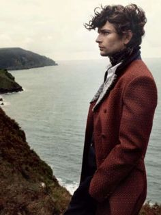 Knotted cravat and with long coat