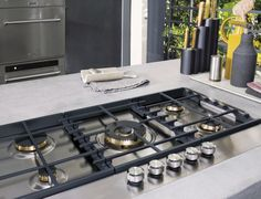 Buy KitchenAid Gas Hob from our Hobs range at John Lewis & Partners. Kitchen Hob, Kitchen Appliances, Home Design, Plaque Gaz, Outdoor Cooking Area, Exhaust Hood, Cooker Hoods, Outdoor Kitchen Design, Cool Kitchens