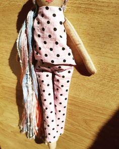 """Οι chingoleleta💜 δημοσίευσαν στο Instagram: """"👚👖Experimenting with outfits.. •••You can't have a bad day in polka dots.•••…"""" • Δείτε 68 φωτογραφίες και βίντεο στο προφίλ τους. Handmade Dolls, Instagram"""