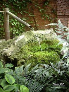 soft natural fountain - could make from hypertufa or timeber/paper- crete? Outdoor Gardens, Zen Gardens, Water Gardens, Japanese Gardens, Plants For Shady Areas, Pocket Garden, Indoor Water Garden, Diy Pond, Meditation Garden