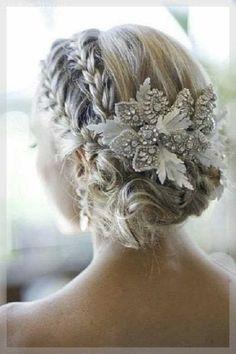 Brautfrisur Hochgesteckt Verspielt Erstaunliche