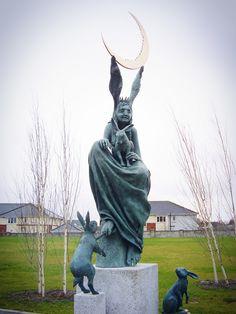 The Hare Queen — Fidelma Massey Sculpture Clay, Bronze Sculpture, Art Sculptures, How To Make Drawing, Deities, Pagan, Artsy, Queen, Drawings