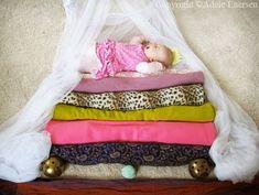 A arte está em tudo que imaginamos de forma criativa. E foi vendo seu bebê, todo fofo dormindo, que Adele Enersen teve uma idéia: Ei .. p...