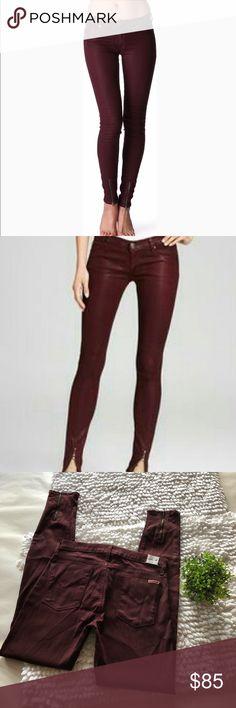 "HUDSON Juliette Refine Super Skinny Jeans 29 Skinny burgundy skinny jeans Size 29, 32"" inseam  In good used condition, slight cut on back pocket seen in picture Hudson Jeans Jeans Skinny"