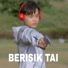 Best memes indonesia wanna one 64 Ideas Memes Funny Faces, Funny Kpop Memes, Funny Texts, K Meme, Best Friends Funny, Korea, Cartoon Jokes, New Memes, K Idol
