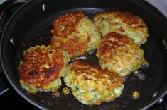 A yummy side dish to complete the perfect meal. Extremly easy to make and simply delicious! Sweetcorn Fritters Recipe, Sweetcorn Bake, Chicken And Sweetcorn Soup, Creamed Corn Fritters Recipe, Hot Cocoa Recipe, Cocoa Recipes, Hot Dog Recipes, Bon Appetit