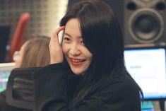 Girl Group Pictures, Kim Yerim, Seulgi, Cute Couples, Red Velvet, Ava, Emoji, Korea, Kpop