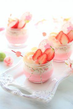 「桜の香る苺みるくプリン」きゃらめるみるく | お菓子・パンのレシピや作り方【cotta*コッタ】