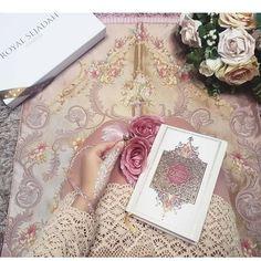 Prayer Mat Islam, Islamic Prayer, Islamic Gifts, Prayer Rug, Ramadan Gifts, Eid Gift, Jummah Mubarak Messages, Gifts For Fiance, Beaded Boxes