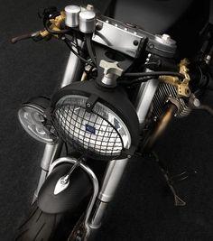 Moto Guzzi V11 Sport – Moto Studios