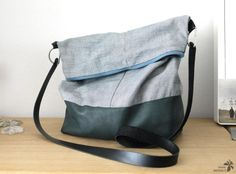 Shoulder bag – Reclaimed leather and jeans & # Source by somiss Coin Couture, Couture Sewing, Recycle Old Clothes, Diy Bags Purses, Bags 2017, Recycled Denim, Denim Bag, Girls Bags, Diy Fashion