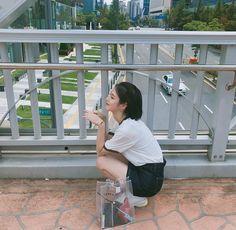 How eunha and how eunha and murat found me 😂 when stuck on the roof Ulzzang Couple, Ulzzang Girl, Cute Korean, Korean Girl, Korean Style, Teen Web, Teen Images, Web Drama, Drama Korea