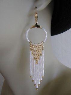 Frame for paper - Seed Bead Chain Hoop Earrrings - Pearl Cream. Seed Bead Jewelry, Seed Bead Earrings, Wire Jewelry, Beaded Earrings, Jewelry Crafts, Beaded Jewelry, Jewelery, Handmade Jewelry, Seed Beads