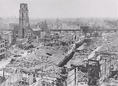 World War II in Europe. View of Rotterdam after German bombing during the Western Campaign in May Rotterdam, the Netherlands, May 1940 The Real World, Second World, World War Two, Change The World, Rotterdam, History Photos, Eindhoven, Wwii, Holland