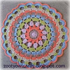 Dahlia mandala. Free pattern and photo tutorial.