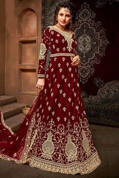 Cast a spell with this maroon net anarkali suit which is surely to set you apart from the rest. This round neck and full sleeve party wear suit beautified with stone and zari work. Accompanied by a matching santoon churidar in maroon color with maroon net dupatta. Churidar is plain. #anarkalisuit #usa #Indianwear #Indiandresses #andaazfashion Costumes Anarkali, Anarkali Gown, Anarkali Suits, Abaya Fashion, Fashion Pants, Indian Fashion, Angrakha Style, Floor Length Anarkali, Gowns Online