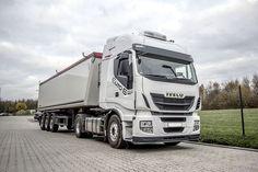 Чиптјунинг на камион со заштеда на гориво плус поголема моќност. Чиптјунинг на Iveco Stralis 460 (ЕУРО 6)  Iveco Stralis 460 има 11.1 литарски шестцилиндричен мотор со 460 коњски сили и вртежен момент од 2150 Нм. Роден е во Италија, развиен во Германија и склопен во Шпанија. Моторот доаѓа од Швајцарија. Јасно е дека Iveco ги комбинира најдобрите европски доблести: Квалитет, сигурност и темперамент. И со вградување на чиптјунинг модулот за подобрување на ефикасноста се додава уште една…