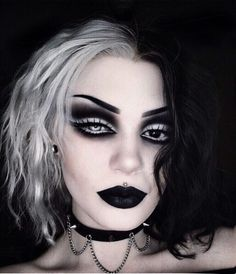 Recently, the number of those who have three-dimensional make-up is increasing. The reason for the increase in the use of makeup is that it is frequently used. Punk Makeup, Grunge Makeup, Gothic Makeup, Fantasy Makeup, Makeup Art, Beauty Makeup, Scene Makeup, Cute Emo Makeup, Fairy Makeup