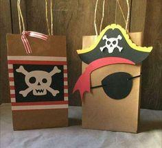 Bolsitas Pirate Day, Pirate Birthday, Pirate Theme, 4th Birthday, Slumber Parties, First Birthday Parties, Caribbean Party, Pirate Crafts, Theme Halloween