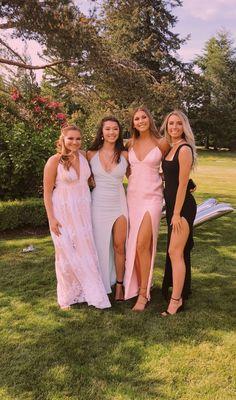 Stunning Prom Dresses, Pretty Prom Dresses, Hoco Dresses, Dance Dresses, Homecoming Dresses, Formal Dresses, Wedding Dresses, Prom Picture Poses, Prom Poses