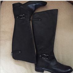 FINAL SALEANNE KLEIN BOOTS. BRAND NEW Brand new Anne Klein Boots. Super cute and comfy. Anne Klein Shoes Heeled Boots