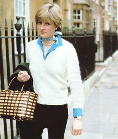 ANOTHER PIC OF LADY DIANA DURING THOSE FIRST WEEKS OF THE MEDIA'S KNOWLEDGE THAT SHE'S THE GIRLFRIEND OF THE PRINCE OF WALES.  I JUST LOVE THESE EARLY PHOTOGRAPH'S.