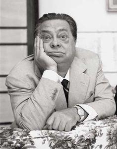 Aldo Fabrizi è stato uno dei più importanti e popolari attori italiani di tutti i tempi. Dal comico al drammatico: mito e talento di un attore unico nel panorama del cinema italiano. 60 film interpretati, in una carriera cinematografica di grande valore.