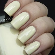 Nail Varnish in Load - Creamy white