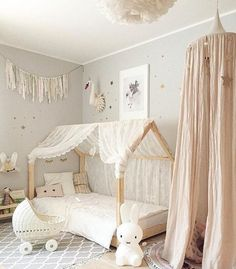 Baby Nursery Ideas and Decor Baby Kinderzimmer und Kinderzimmer Ideen und Dekor The A Baby Bedroom, Nursery Room, Bedroom Decor, Girl Nursery, Nursery Ideas, Wall Decor, Baby Girl Bedroom Ideas, Nursery Decor, Nursery Curtains