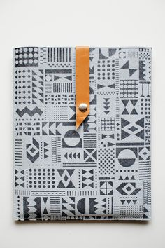 iPad Case Geometric Pattern in Charcoal Grey No. IC-303.
