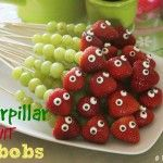 Healthy Caterpillar Fruit Kabobs for Kids! - Must Have MomCaterpillar Fruit Kabobs Party Food Idea! - Must Have Mom Cute Food, Good Food, Yummy Food, Fruit Kabobs Kids, Fruit Fruit, Fruit Party, Kids Fruit, Rainbow Fruit, Cooking Recipes