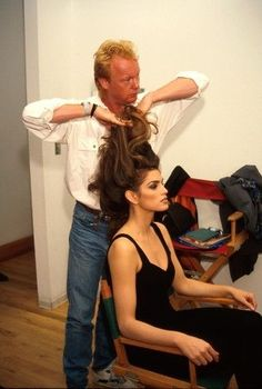 Supermodel #TBTs: Gisele, Kate, and More Backstage Moments From the Greats – Vogue - Cindy Crawford