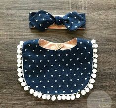 Trendy sewing projects for baby bibs baby sewing projects Baby Sewing Projects, Sewing Patterns For Kids, Sewing For Kids, Sewing Crafts, Pochette Portable Couture, Diy Bebe, Creation Couture, Baby Crafts, Baby Accessories