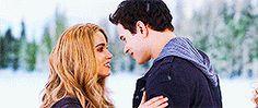 Rosalie and Emmett kiss gif