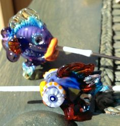 Just playing at the torch one day. Here a two little fish. Still on the mandrel.