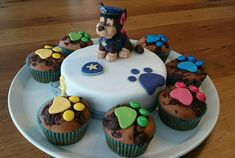 Paw Patrol Chase Cake, Paw Patrol Torte, Disney Cake Toppers, Funny Wedding Cake Toppers, Fudge, Mad Hatter Cake, Special Birthday Cakes, Happy Birthday, Best Chocolate Cake