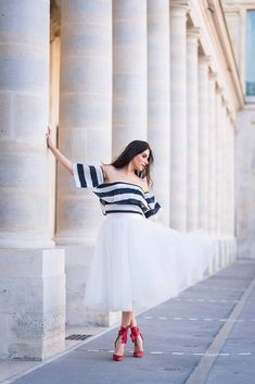 Photoshoot outfits for Palais Royal Engagement Photo Outfits, Fall Engagement, Engagement Photos, Palais Royal, Paris Photos, Dress For You, Photo Sessions, Fall Outfits, What To Wear