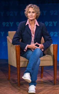 Lauren Hutton Dishes Her Fashion Tips, Says Everyone Can Have Great Style_2