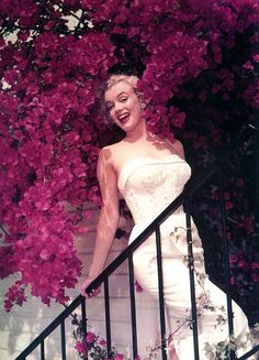 Marilyn in the flowers