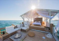 Stay In A Floating Bedroom Above The Great Barrier Reef With Airbnb - #AirBnB, #Australia, #FindingDory, #GreatBarrierReef